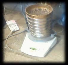 آزمایشگاه تکنولوژی بتن آزمایش دانه بندی ماسه به وسیله الک های استاندارد